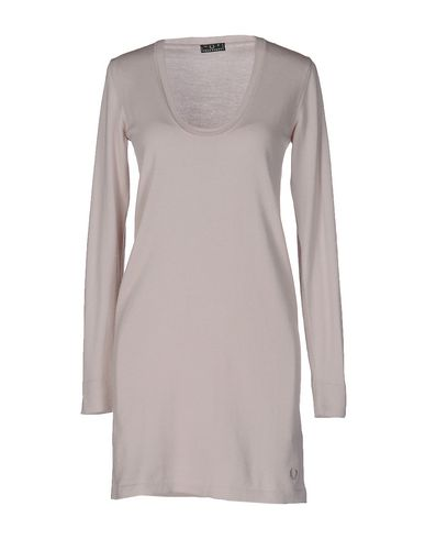 Короткое платье FRED PERRY 34667103TF