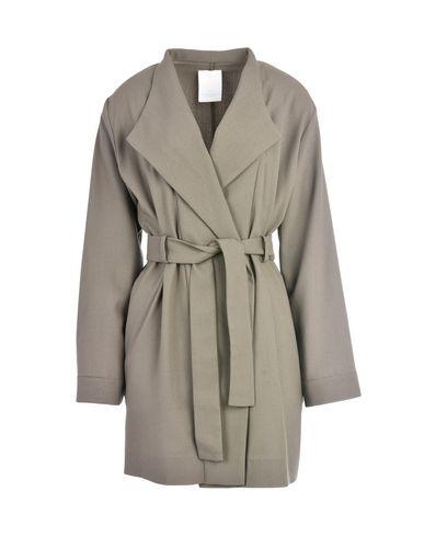 цена  FONNESBECH Легкое пальто  онлайн в 2017 году