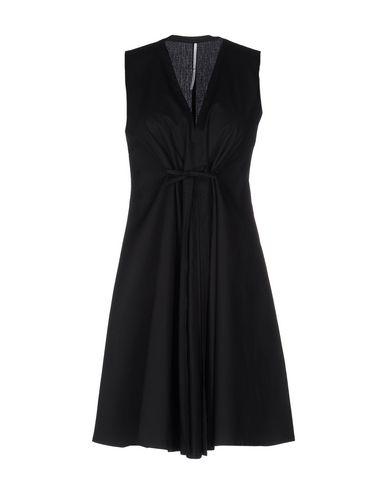 Короткое платье от MAISON LAVINIATURRA