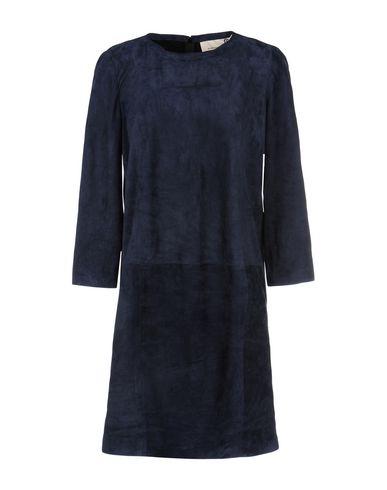 Короткое платье от 8