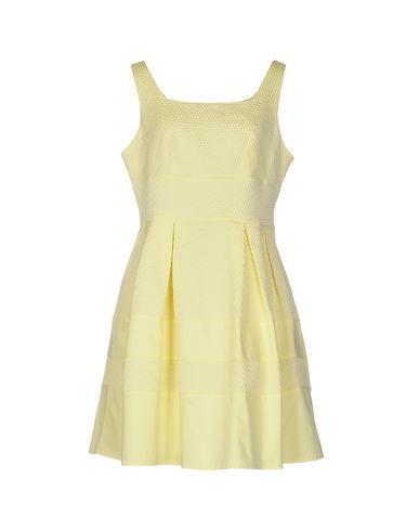 Короткое платье от DARLING London