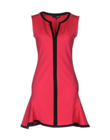 Купить Женское короткое платье  цвета фуксия