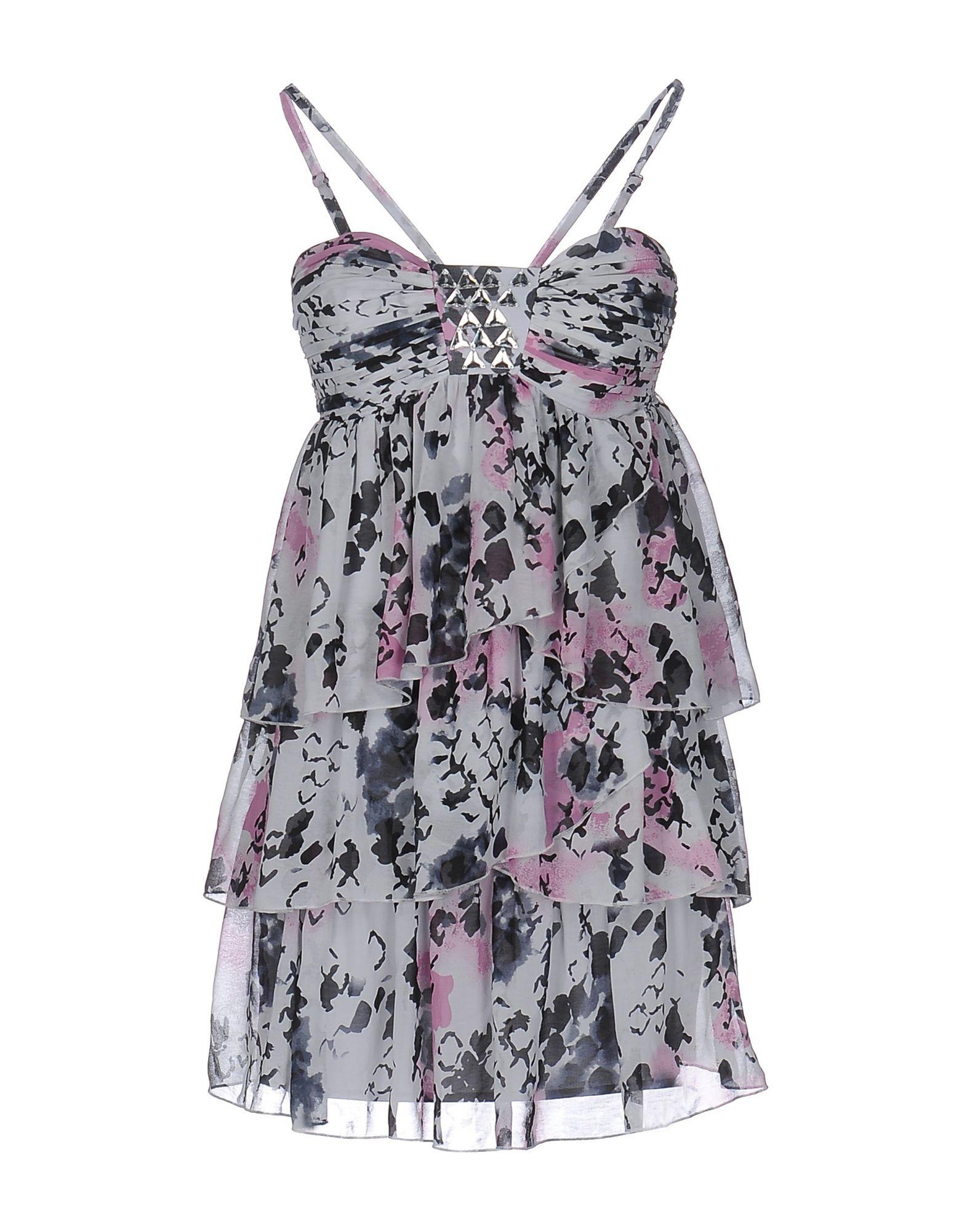 где купить  LIPSY Короткое платье  по лучшей цене