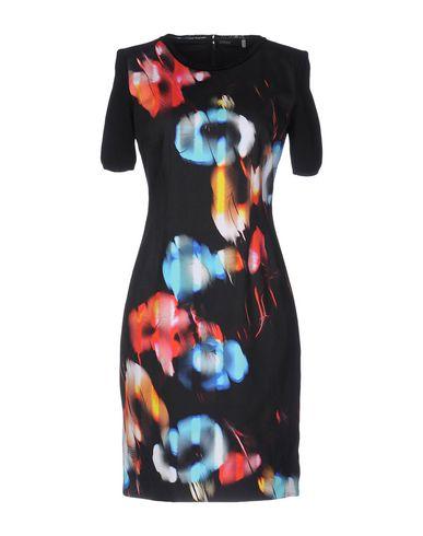 Короткое платье ELIE TAHARI 34692626OT