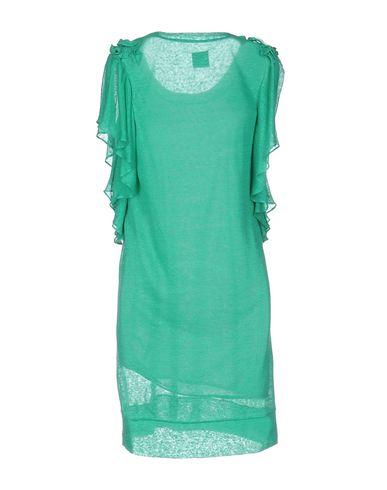 Фото 2 - Женское короткое платье  зеленого цвета