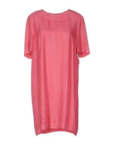 Короткое платье BURBERRY 34703868DS