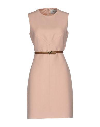 Фото - Женское короткое платье  цвет телесный