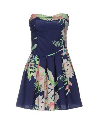 Короткое платье от JCOLOR