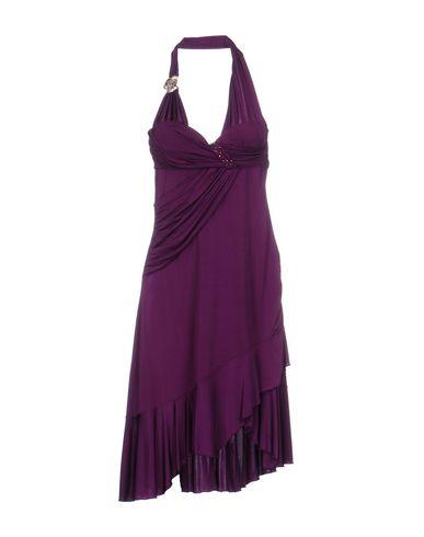 Фото - Платье до колена розовато-лилового цвета