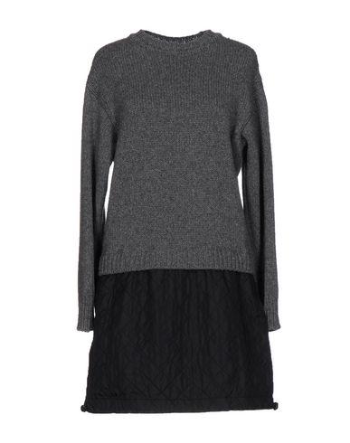 Фото - Женское короткое платье  серого цвета