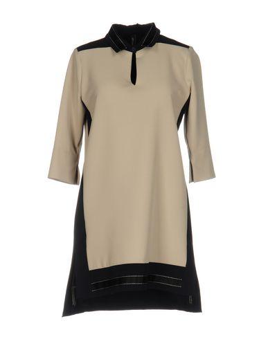 Короткое платье от ANYCASE