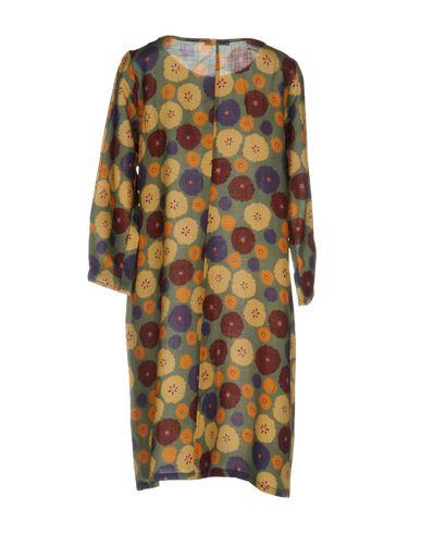 Фото 2 - Женское короткое платье MONIKA VARGA цвет зеленый-милитари