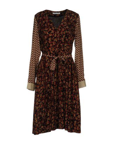 Платье до колена от CARACTÈRE