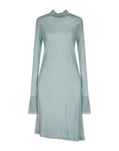Короткое платье от DEVOTION