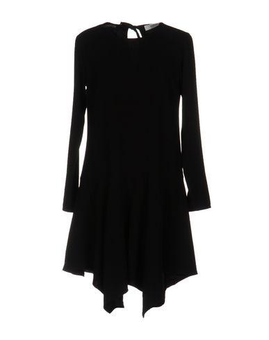 Короткое платье WESC 34733039IA