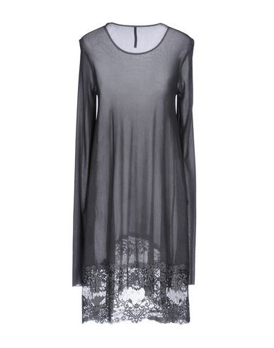 Фото 2 - Женское короткое платье  серого цвета