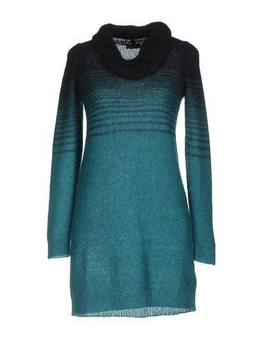 Короткое платье FRED PERRY 34741691JL