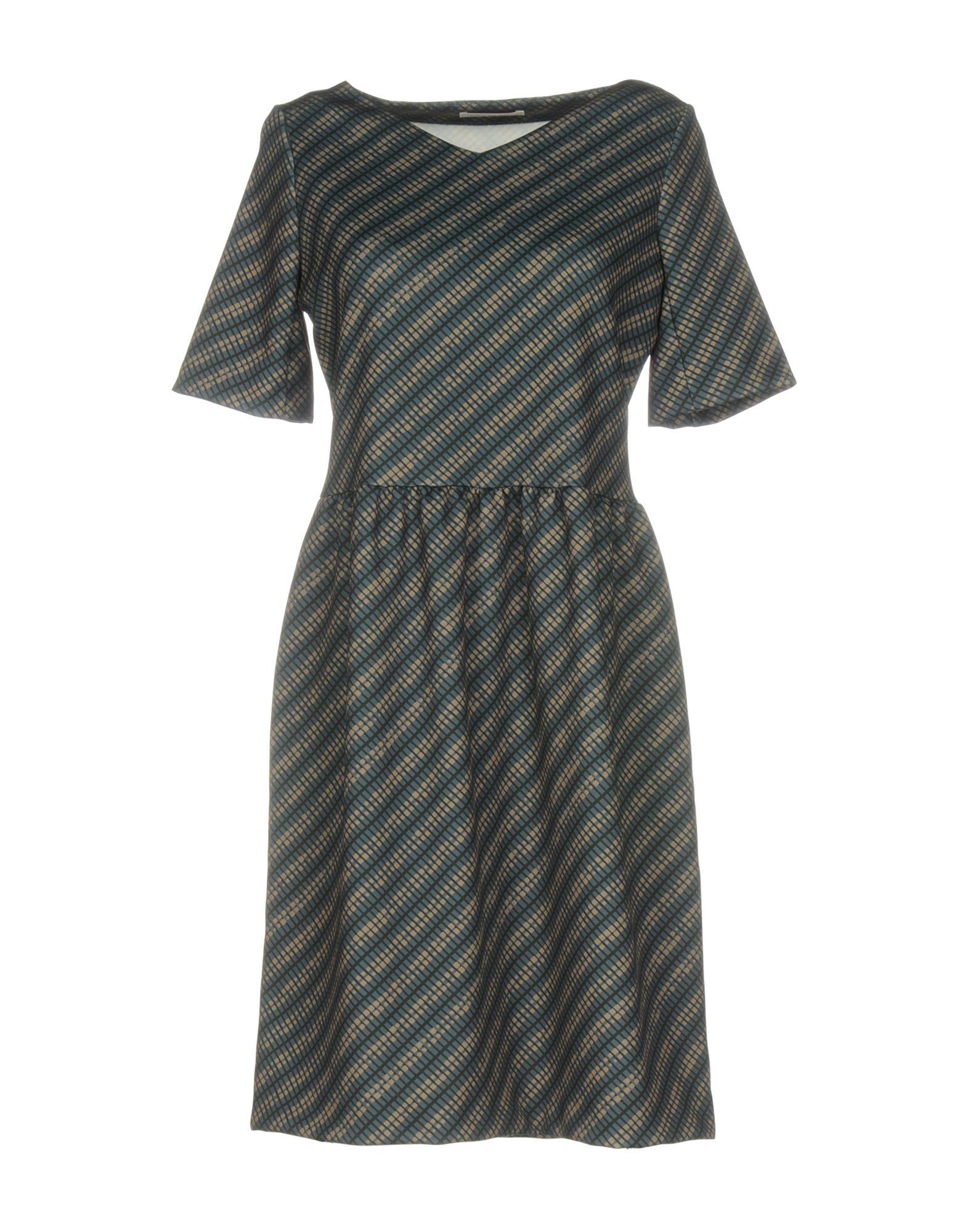 цена  MIKI THUMB Короткое платье  онлайн в 2017 году
