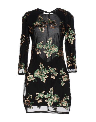 Фото - Женское короткое платье WYLDR черного цвета