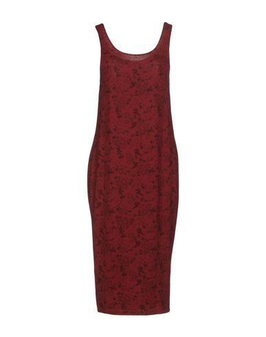 Платье до колена от SOALLURE