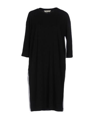 Короткое платье от AND LESS