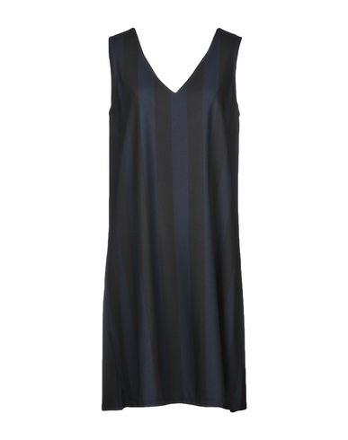 Короткое платье от GUTTHA