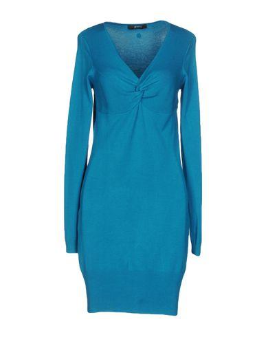 Короткое платье GUESS BY MARCIANO 34760918CS