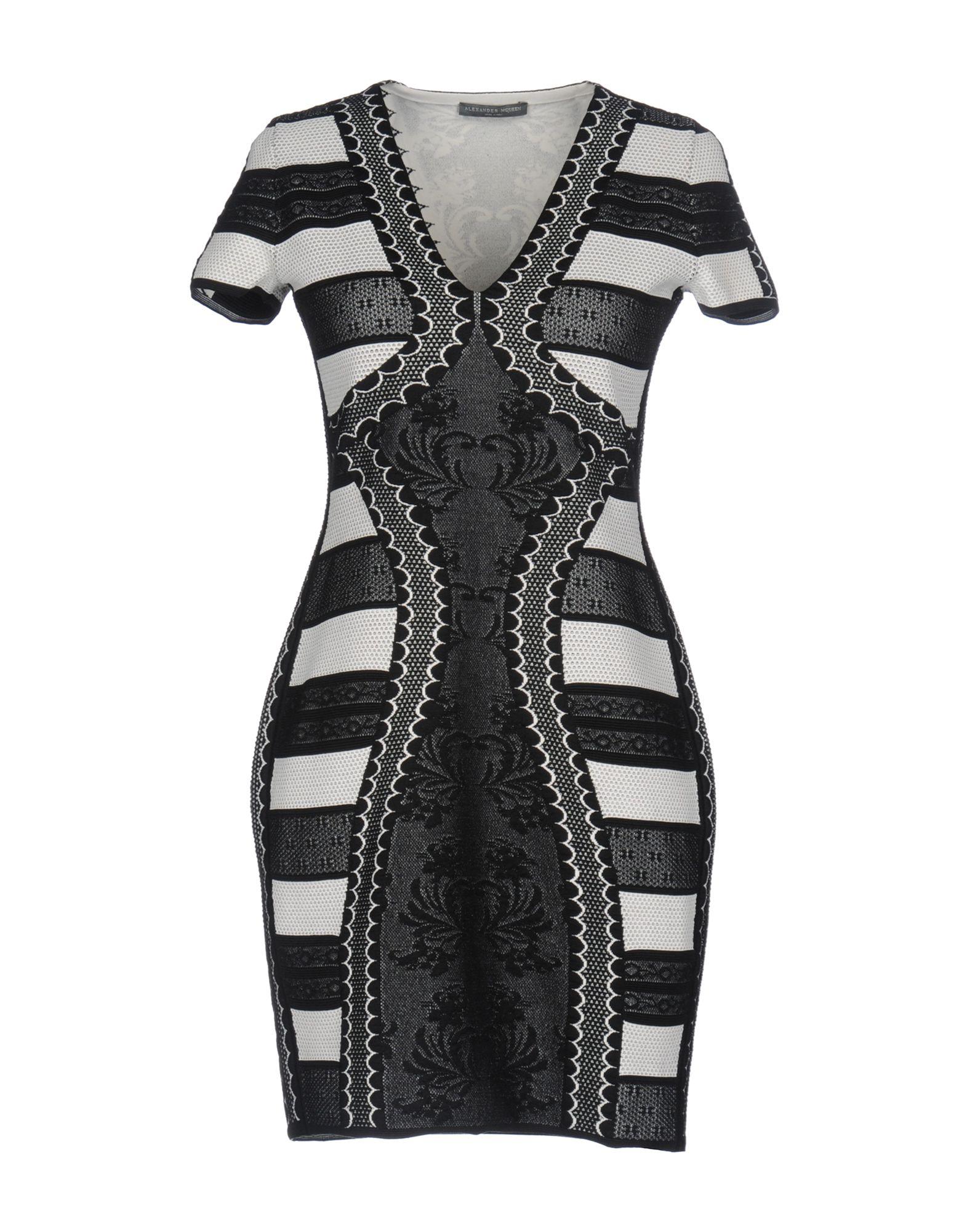 ALEXANDER MCQUEEN Damen Kurzes Kleid Farbe Schwarz Größe 3