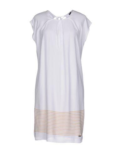 Короткое платье B.YU. Цвет: белый