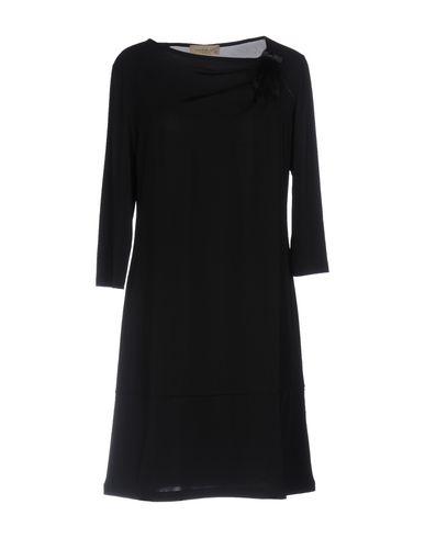 Короткое платье JUST FOR YOU. Цвет: черный