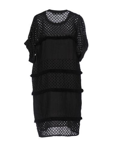 Фото 2 - Женское короткое платье TELA черного цвета