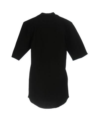Фото 2 - Женское короткое платье MARIUS PETRUS черного цвета