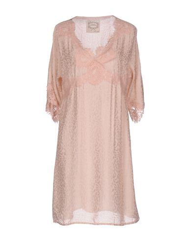 Фото - Женское короткое платье PINK MEMORIES розового цвета