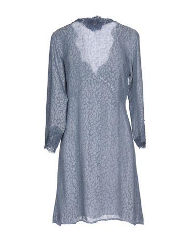 Фото 2 - Женское короткое платье PINK MEMORIES пастельно-синего цвета