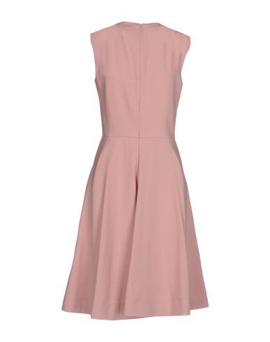 Фото 2 - Платье до колена пастельно-розового цвета