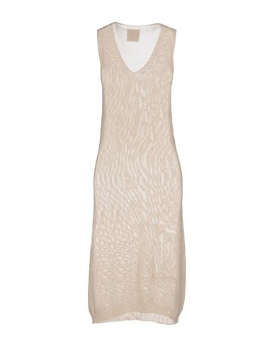 Фото 2 - Платье до колена от PINK MEMORIES бежевого цвета