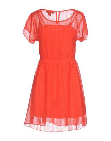 Фото 2 - Женское короткое платье CUTIE красного цвета