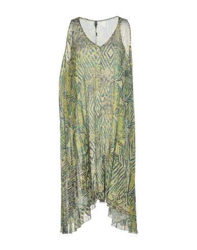 Фото - Платье до колена кислотно-зеленого цвета