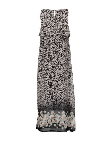 Фото 2 - Женское длинное платье LUCKYLU  Milano светло-серого цвета