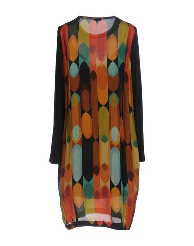 Фото 2 - Женское короткое платье MALÌPARMI цвет охра