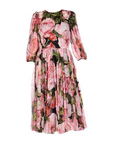 Фото - Платье длиной 3/4 розового цвета