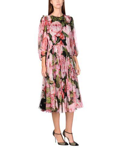 Фото 2 - Платье длиной 3/4 розового цвета