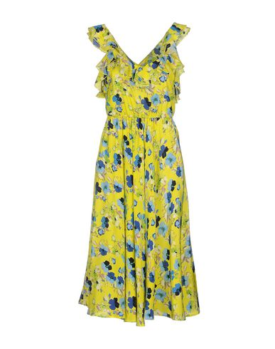 Фото - Платье длиной 3/4 от MSGM желтого цвета
