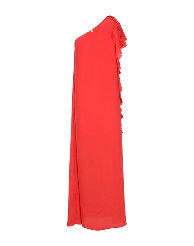Фото 2 - Женское длинное платье  кораллового цвета