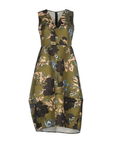 Фото - Платье до колена от NO-NÀ цвет зеленый-милитари