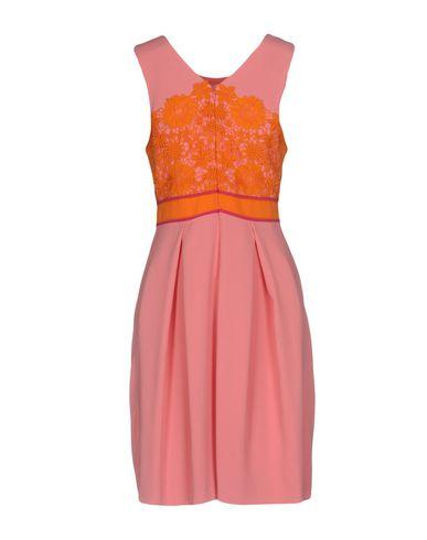 Фото 2 - Платье до колена от VDP COLLECTION оранжевого цвета