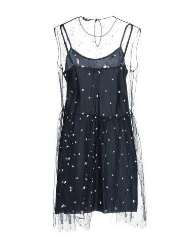 Фото 2 - Женское короткое платье P.A.R.O.S.H. темно-синего цвета