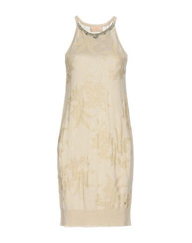 Фото - Женское короткое платье VDP COLLECTION бежевого цвета