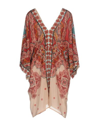 Фото 2 - Женское короткое платье  кирпично-красного цвета