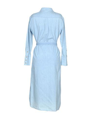 Фото 2 - Платье длиной 3/4 небесно-голубого цвета
